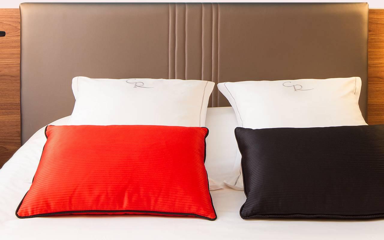 Comfortable bed Hotel de charme Dijon