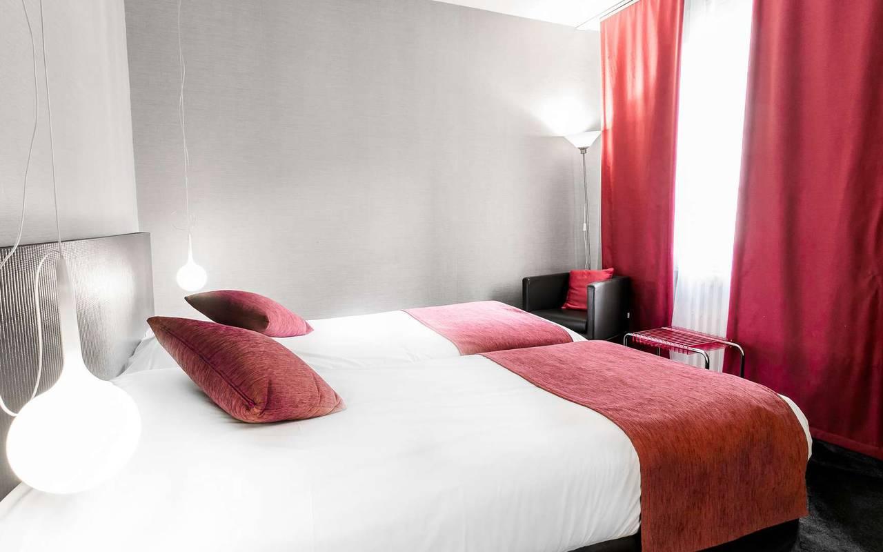 Chambre épurée hôtel spa Dijon