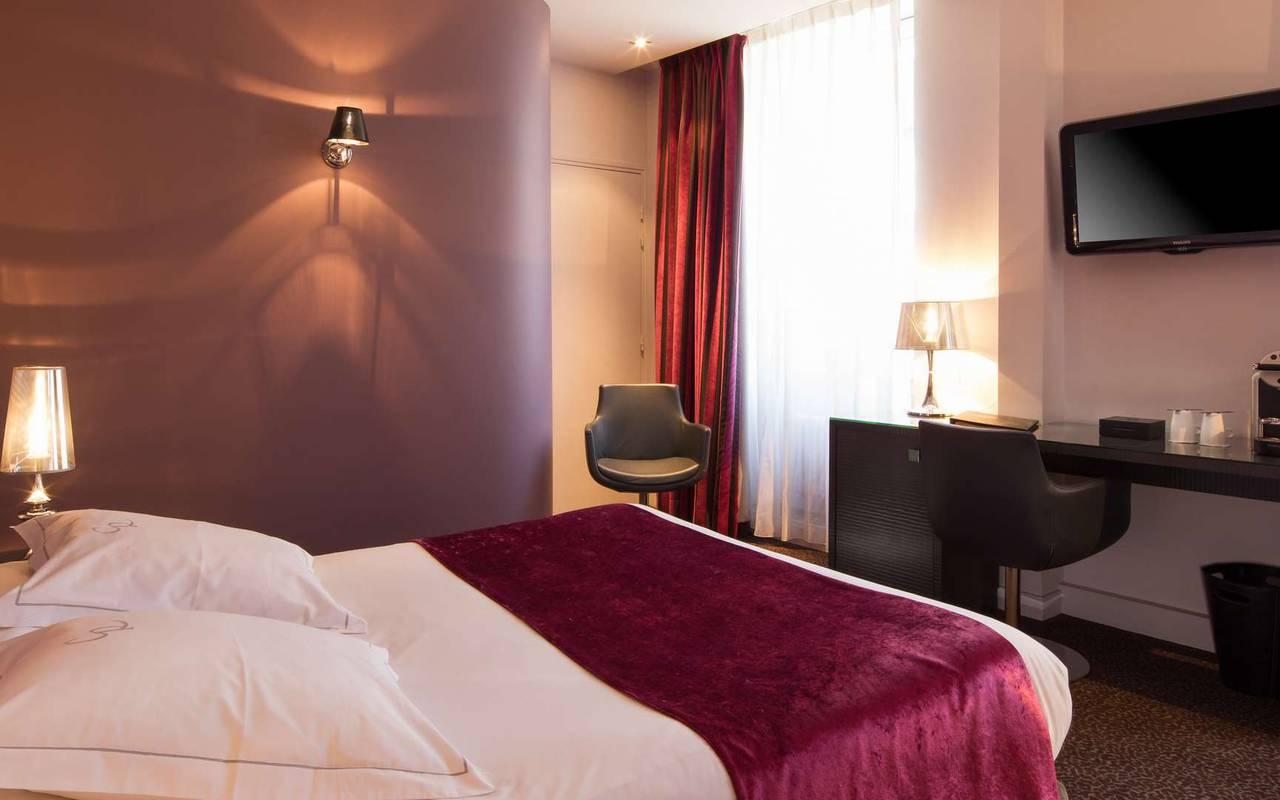 Chambre de l'hôtel Chapeau Rouge Dijon