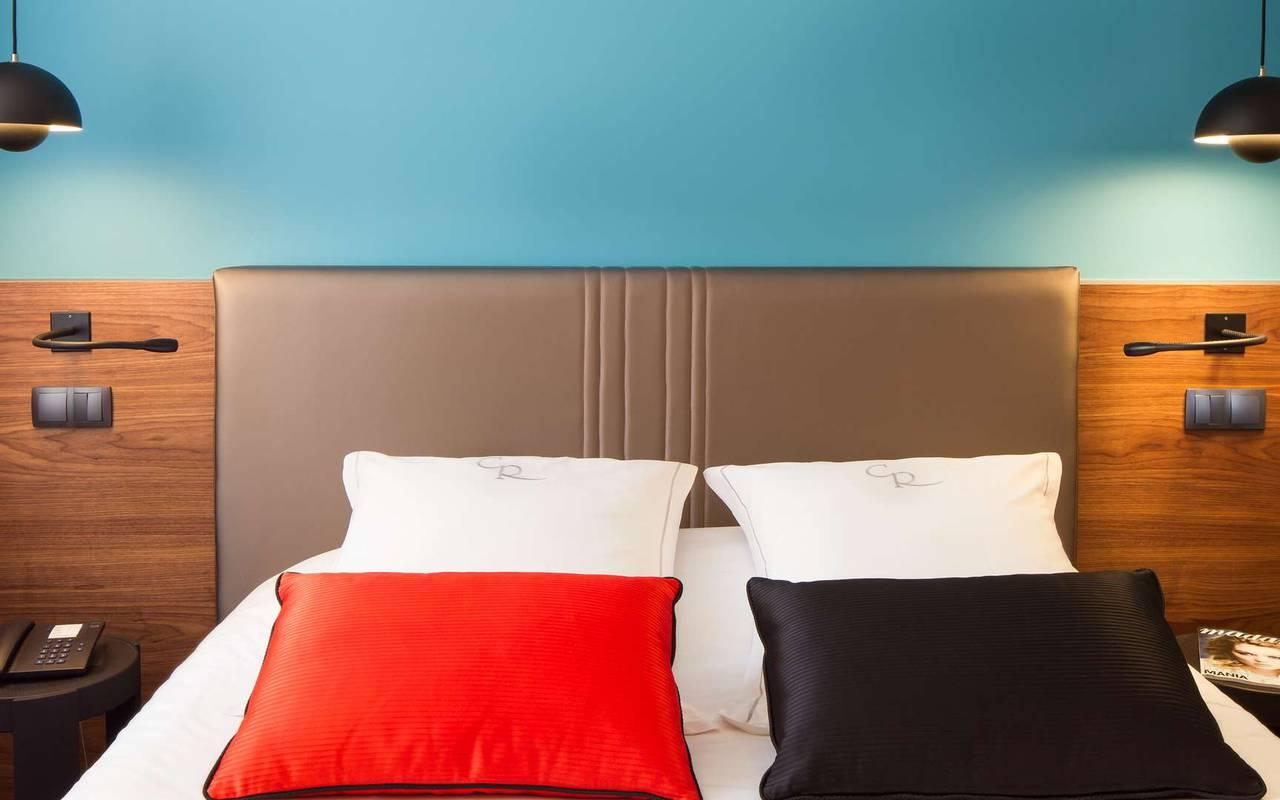 Chambre avec literie de qualité hôtel de charme Dijon