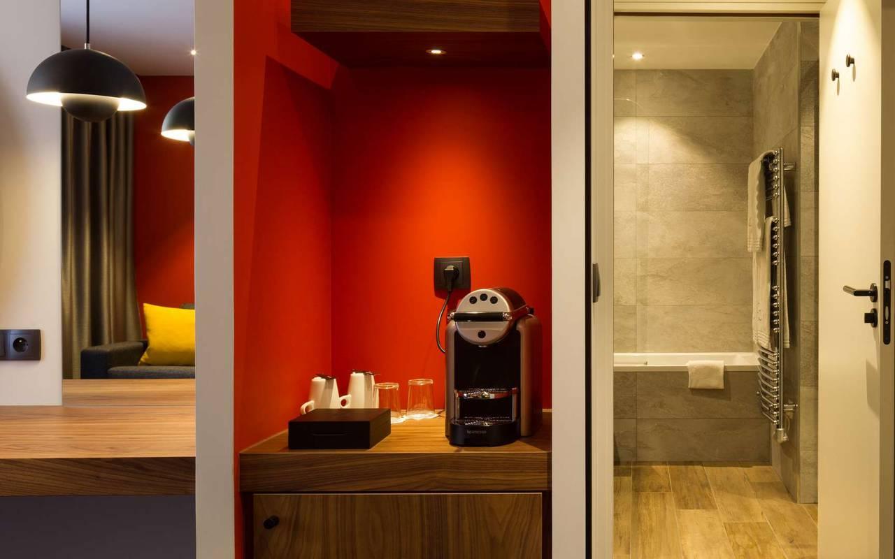 Chambre avec machine à café hôtel de luxe Bourgogne