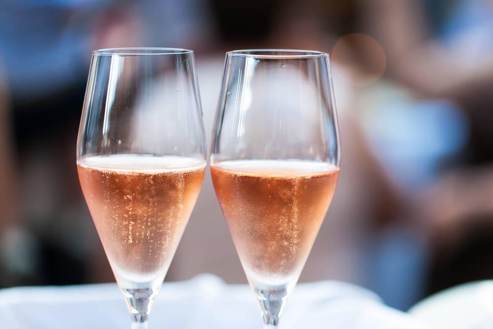 Coupes champagne hôtel Dijon Chapeau rouge