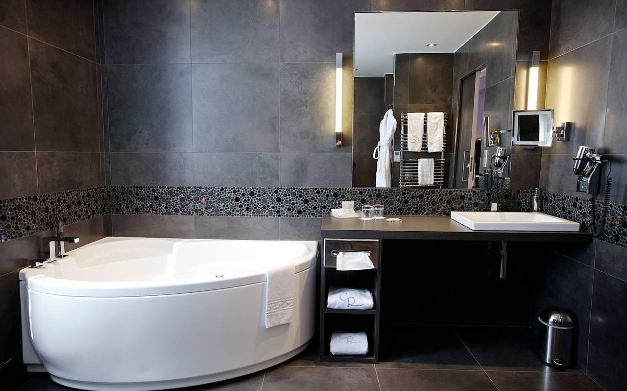 Salle de bain moderne hôtel Dijon centre-ville