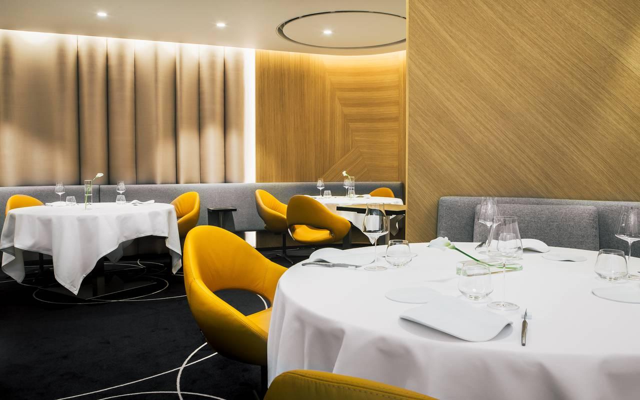 Salle de restaurant Hotel 4 etoiles Dijon